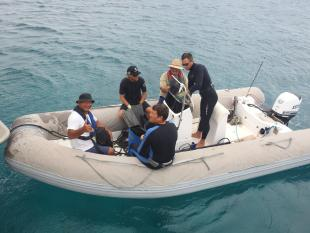 Ru Taime en compagnie d'une partie de l'équipe en mission aux atolls d'Entrecasteaux décembre 2017 (c) DAM SPE